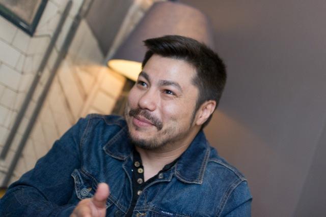 Óscar Reyes en un reportaje de MICINCEXIN
